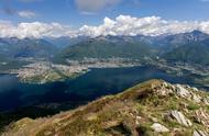 瑞士小镇房子只卖1美元?山水环绕美如画,就是没人住,越来越多欧洲小镇开始大甩卖