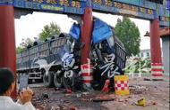 凌晨1点50!淄博发生一起严重车祸,车上两人死亡