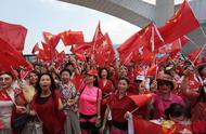 香港市民高唱国歌 喊话:爱国爱港的人不能再沉默