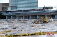 """台风""""海贝思""""袭日致河流泛滥交通瘫痪 至少35死"""