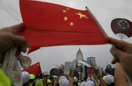 香港市民:游行示威、暴力破坏的人很幼稚 希望风波尽快结束