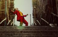 神还原!网友COS小丑热舞 前往拍摄地打卡拍照