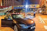 事情正起变化!香港市民纷纷上街挺阿sir!暴徒慌了
