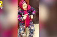 107岁妈妈给84岁女儿捎糖吃,女儿笑开花,网友:这就是幸福