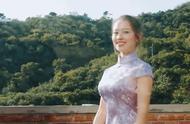 吉娜穿旗袍扭腰秀玲珑身段 网友:身材太好 羡慕