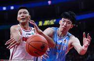 总决赛预演第一回合广东险胜单外援新疆,一个没有赢,一个不算输