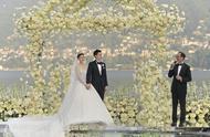 文咏珊意大利婚礼依山傍水,新人在夜幕烟花下相拥