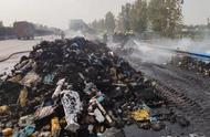 百世快递回应13吨包裹被烧毁说了什么 双11百世快递13吨包裹被烧成灰怎么回事现场图曝光