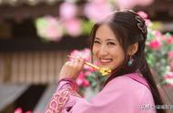回眸一笑的古装女子:有人妩媚、有人可爱,你最喜欢谁?
