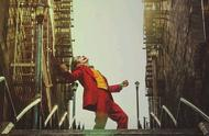 备受国外好评《小丑》为何不在国内上映?看完你就懂了