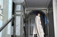 李宇春雅典娜造型亮相英国时装大奖,彰显不凡气质