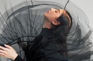 宋祖儿最新杂志大片曝光,古灵精怪的鬼马少女,野生眉造型如何?