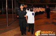 重拳出击 剑指电诈|海口警方从中缅边境将18名电信网络诈骗嫌疑人押解回琼