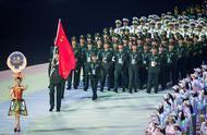 最帅方阵!中国军人代表团整齐入场全场欢呼,王治郅担任旗手