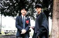 陈坤晒和17岁儿子同框照,画面温馨!陈尊佑穿校服很有范