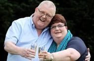 英国夫妇中了14亿彩票大奖,分居一年后感情破裂离婚