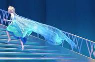 冰雪奇缘:坏人想要偷袭艾尔莎,结果却被艾尔莎的魔法给收拾了