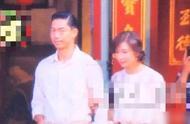林志玲携夫进行婚礼彩排,志玲贵妇发型配白裙满脸娇羞,他赚到了