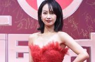 国剧盛典:宋茜红丝绒长裙夺目,郑爽仙气,赵今麦和李庚希被吐槽