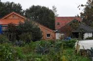 荷兰一家7口躲地窖里生活9年,不看病不上学,只为躲避世界末日