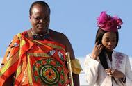 真有钱!非洲国王挥霍无度 为15个老婆买了19台劳斯莱斯