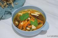 天冷了,就爱喝这快手汤,酸辣开胃,10分钟做好,驱寒又保暖