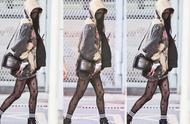 土大于潮?杨幂最新机场造型,卫衣搭配黑丝,网友直呼接受不了