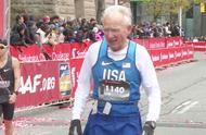 70岁大爷跑步反人类,年纪越大跑步越快,网友:这是要跑回17岁