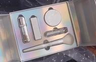 """""""冰雪奇缘""""的化妆套盒,打开后仿佛置身""""冰雪世界""""哦!"""