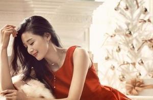 这一抹笑太醉人!全智贤拍圣诞写真红裙亮眼