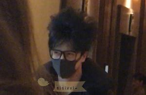 薛之谦头发未洗炸出新高度,网友:我从来不知道毛可以炸成这样