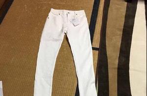 原来真的有两米八的裤子存在,张家辉还很好地穿了呢!