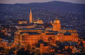 不只有大饭店,更有如童话般美丽的布达佩斯