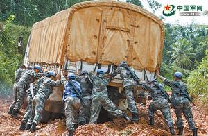 中国维和部队全部撤出利比里亚 结束13年的维和行动