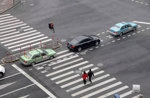 """上海抓拍5000余起""""车不让人""""!到底怎么""""让"""",三图看懂!"""