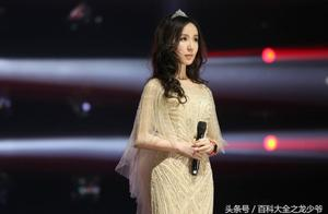 跨界歌王娄艺潇,不但颜值惊艳,歌声也非常惊艳,很喜欢她唱歌呢