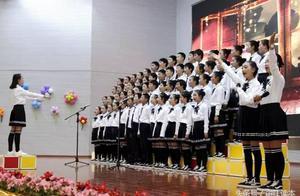 今天丽江这两所学校的才艺汇演有看头,来看看哪所更精彩