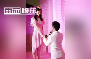 何猷君奚梦瑶求婚细节再被扒,去现场的网友曝求婚玫瑰是塑料的