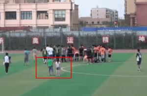 北京足球业余联赛球场全武行事件后续,道歉+取消资格