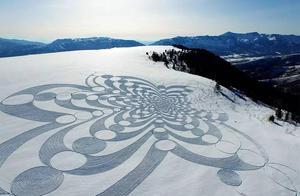 雪地艺术家,用双脚走出震撼人心的作品!