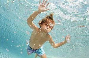 儿童溺水之绝望三分钟,太揪心了,父母都该看看