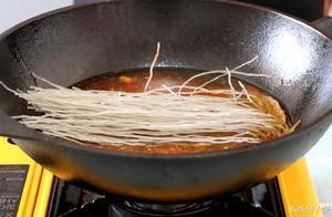 自制牛肉粉丝汤,想加多少牛肉就加多少,一大碗根本不够吃