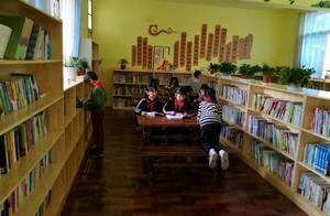 """书香万里爱心无限 她们给梯田脚下的孩子们送来 """"爱心书屋"""""""