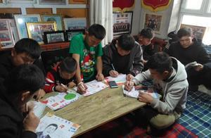 """新疆一老兵资助贫困生30年,他是173个孩子的""""爸爸"""""""