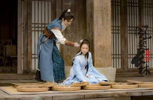 张慧雯被妈妈催婚,粉丝让她等鹿晗?