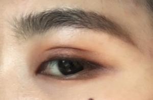 秋冬的一抹微醺眼妆