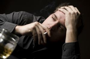 为什么现在男人的地位越来越低,在家甚至没有说话权?