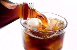 连着3天可乐当水喝,20岁小伙肝肾衰竭、诱发急性并发症死亡