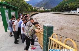 """九寨沟至松潘、平武、若尔盖、文县通道均已中断,成为""""孤岛"""""""