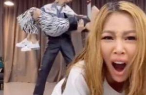 时隔1年泫雅再度回归!与男友镜头前秀恩爱,Jessi竟沦为电灯泡